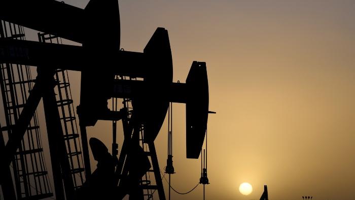 В США снова снизилась добыча нефти