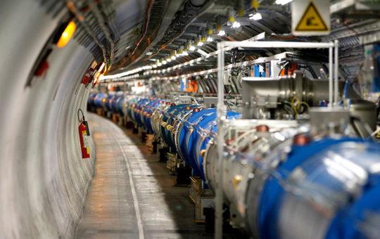 С помощью адронного коллайдера выявили новую форму материи