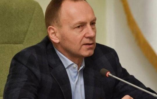 В Чернигове невакцинированных чиновников обязали сдавать ПЦР-тесты