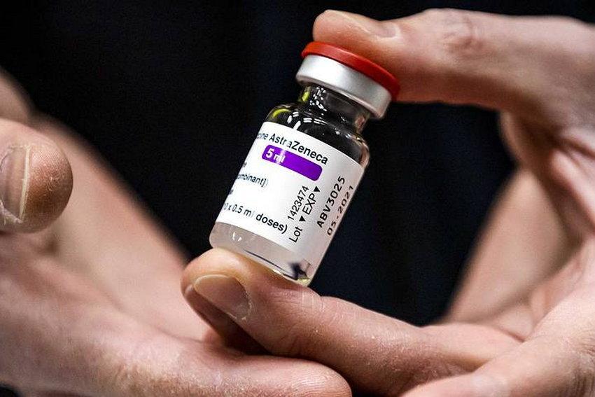 Индия возобновляет экспорт COVID-вакцин