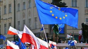 Премьеру Польши сделали замечание за долгое выступление в Европарламенте