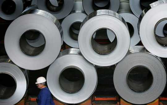 Цена на алюминий впервые за 13 лет превысила $3000 за тонну